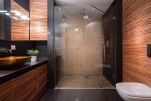 bathroom-remodel-walk-in-shower-no-threshold-houston-texas