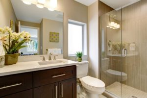 walk-in-shower-with-low-threshold-san-antonio